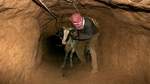 Gazzeliler Bayrama Hazırlanıyor…