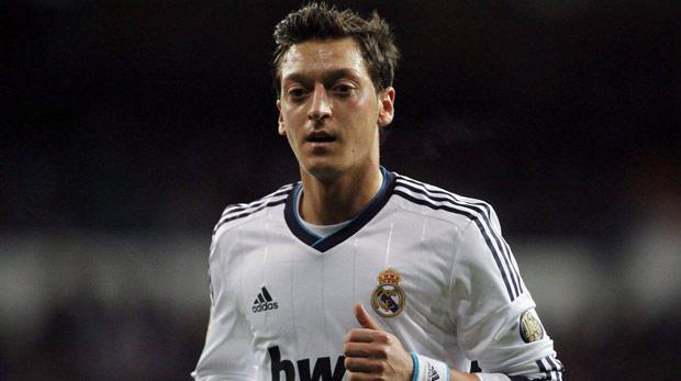 Mesut Özil resmen Arsenal'de
