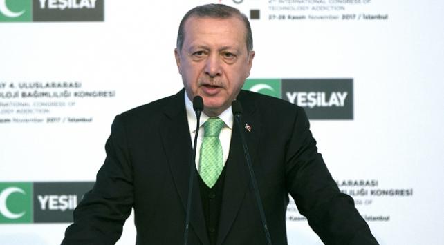 Erdoğan: Teknoloji giderek bizi hayattan koparıyor