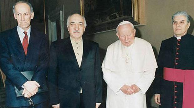 Gülen, Papa'yla görüşmek için 2 yıl uğraştı
