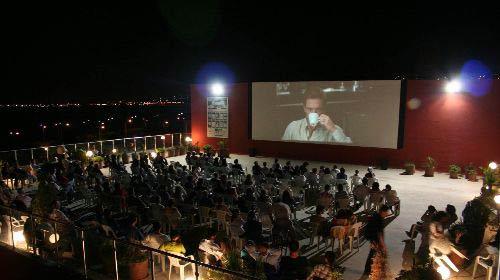 Adana'da Yazlık Sinema Keyfi