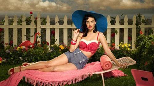 Katy Perry Geliyor