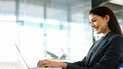 Kadınlar İş Dünyasında Varız Diyor