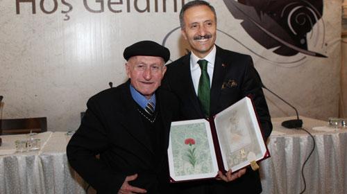 Osman Akkuşak'ın yazarlığının 60. yıl kutlandı