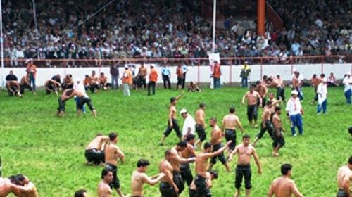 Er Meydanında Güreşler Başladı