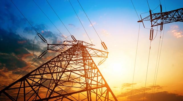 Elektrik dağıtım şirketleri 'hediye' yarışına girdi
