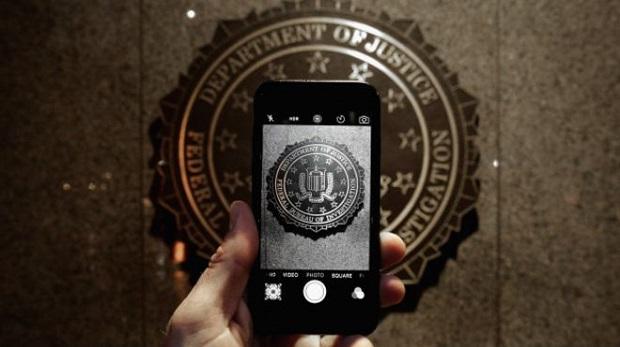 Apple'dan telefon kamerası uyarısı