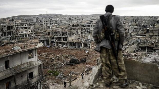 Hama ve İdlib'te her yer bombalanıyor