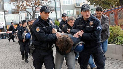 KTÜ'de Polisle Öğrenciler Arasında Arbede
