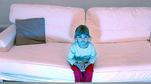 TV İzleyen Çocuklar Tehlikede