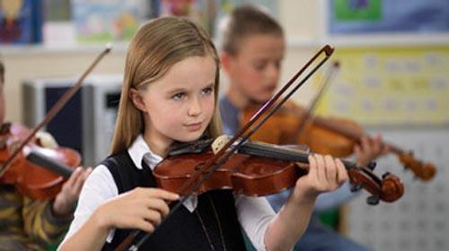 Çocuklarda Enstrüman Eğitimi Şart