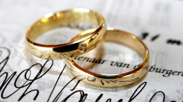Yeni evlenenlere 10 bin TL verilecek
