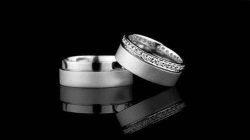 Evlenecek Çiftler, Alyansta da Gram Düşürdü