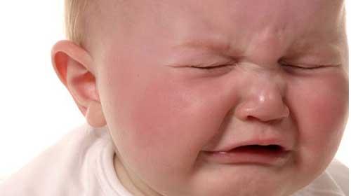 Ağlayan bebeği susturmanın 15 pratik yolu
