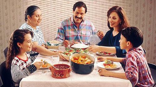 Aile Yemekleri Çocuğu Koruyor