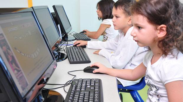 Çocuklar kaç saat bilgisayar oyunu oynamalı?