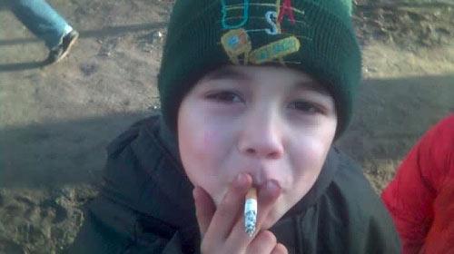 100 Çocuktan 7'si Sigara İçiyor