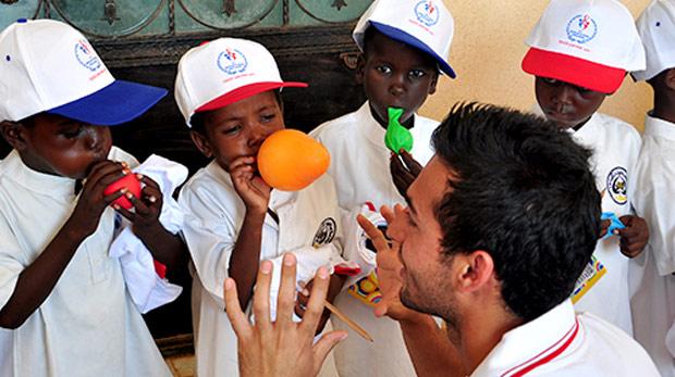Gönüllü gençler, Sudanlıları sevindirdi