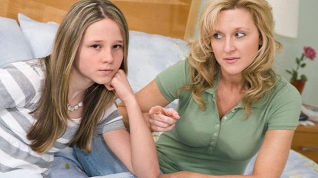 Ergenlik dönemindeki kızınıza bunları söylemeyin
