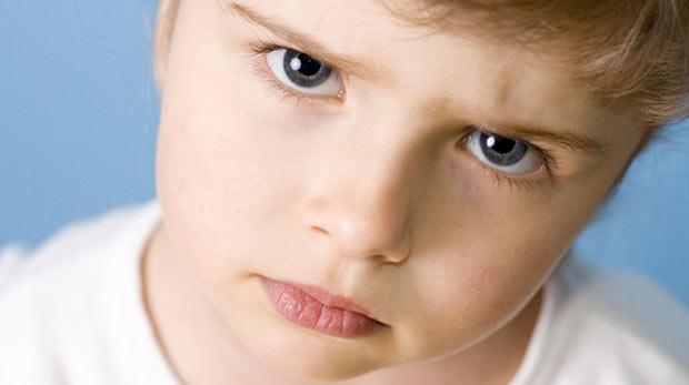 """""""Çocuğunuza öfkeyle karşılık vermeyin"""""""