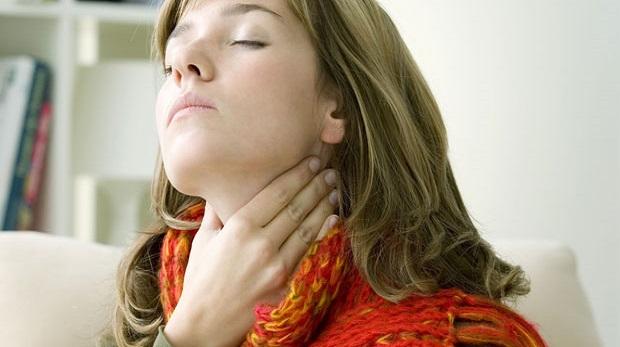 Boğaz ağrısını geçirmek için ne yapmalı?