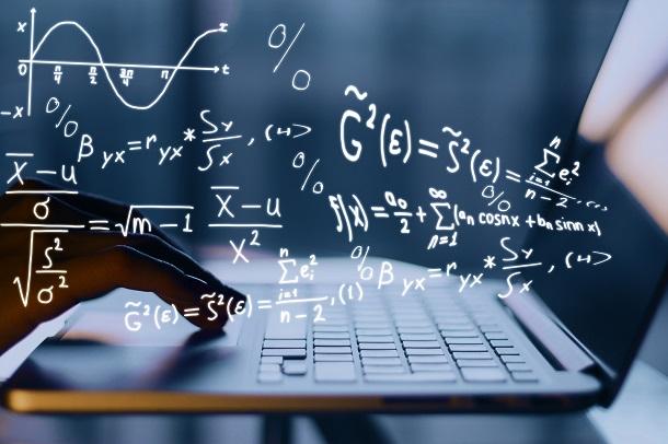 2025 yılında 3 milyon kişi online eğitim alacak.