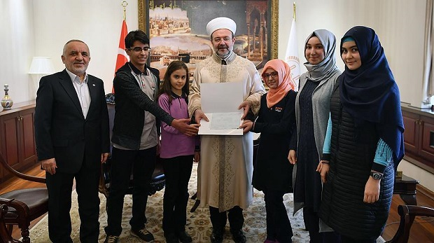 Öğrencilerden Halep'e 100 bin TL'lik yardım