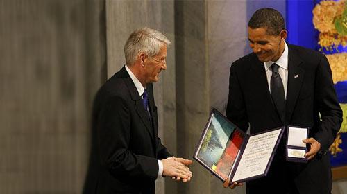 Obama Nobel Ödülü'nü Aldı!