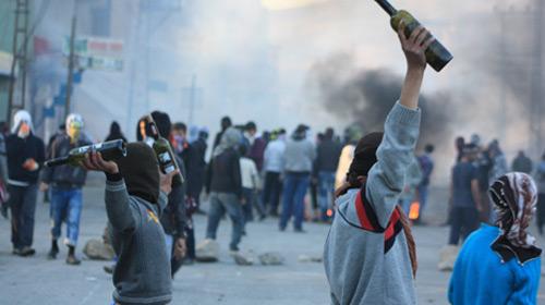 Polisten Taş Atan Çocuklara ÖSS Taşı