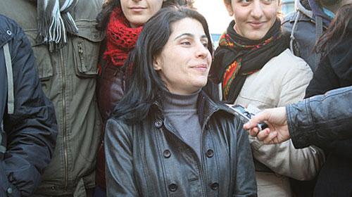 Şarkıcı Rojda gözaltında
