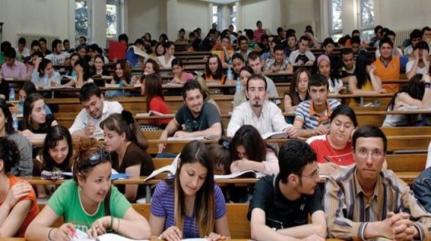 """""""Kaygı, gençlere yurtdışı eğitimini düşündürüyor"""""""