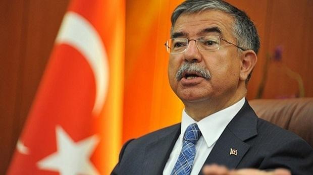 Bakan Yılmaz: Kürtçe ve Alevilik için yetmez ama evet diyoruz