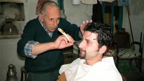 Berberler, Erkek Kuaförüne Dönüşüyor