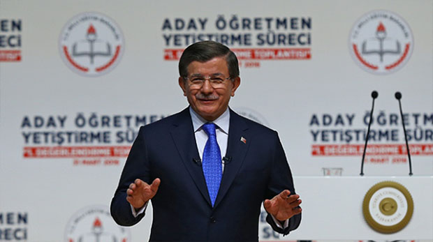 """Davutoğlu: """"Yeni nesiller özne olsun itiyoruz"""""""