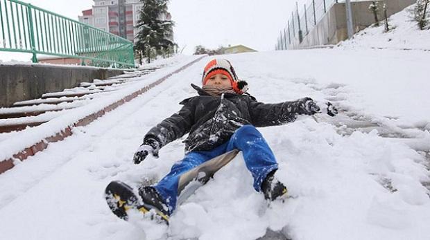 Sakarya'da eğitime kar engeli