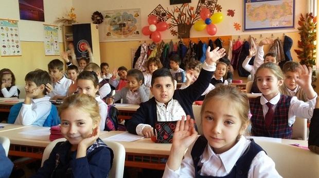 10 okula 10 Türkçe sınıf, Romanya'dan başlatıldı….
