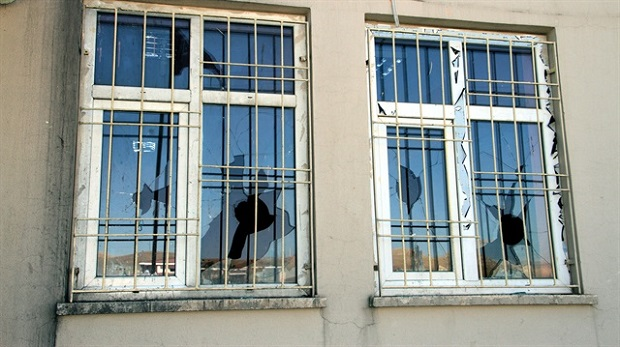 PKK'dan boykota katılmayan 7 okula saldırı