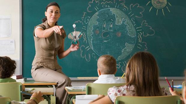 Öğretmenlerin 'özür' ataması başvuruları başladı