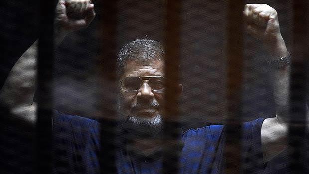 Mursi'ye 'Sayın Cumhurbaşkanı' diyen spiker görevden alındı