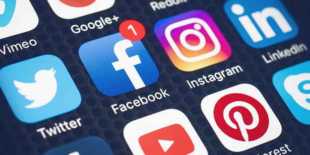 Tehlikenin farkında mısınız? Çocuklarınızın fotoğraflarını sosyal medyada paylaşmayın!