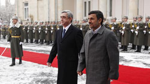 Ahmedinejad Ermenistan'a Gitti