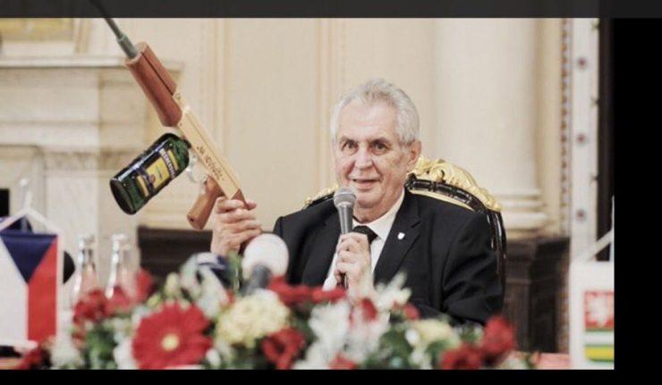 Çek lider gazetecilere 'şaka' yaptı: Sizi Suudi konsolosluğunda ağırlayacağım