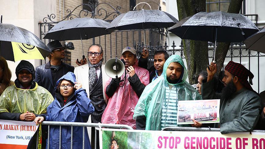 Arakanlı Müslümanlara yönelik şiddet ABD'de protesto edildi