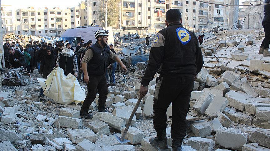 Rus uçakları Halep'te okula saldırdı: 17 ölü