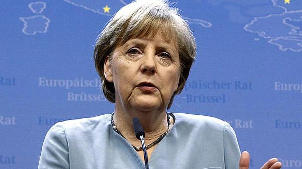 """Merkel:""""Suriye'de askeri çabalar çözüm getirmeyecek"""""""