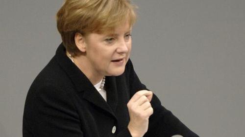 """Merkel:""""İfade özgürlüğünün de sınırları var""""!"""