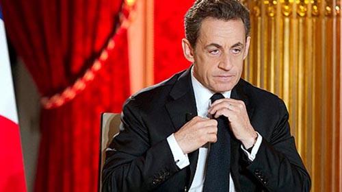 Sarkozy'ye en büyük destek Kaddafi'den