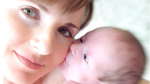 Annelik Kadını Gençleştiriyor