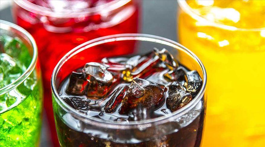 Aşırı şekerli içecek tüketmek kanser riskini artırıyor