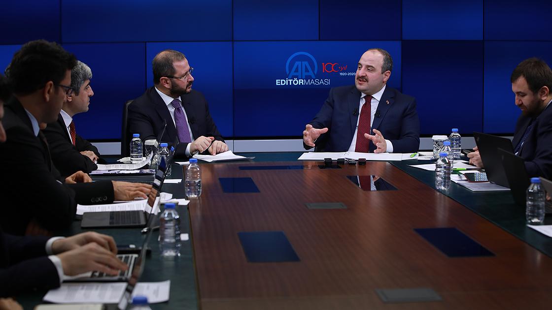 """Bakan Varank: """"Türkiye'nin Otomobili'ni satın almak isteyen vatandaşlarımızın oranı yüzde 89"""""""